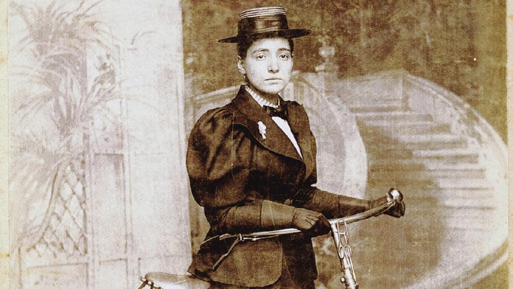 Энни Коэн Копчовски: первая женщина, совершившая кругосветку на велосипеде