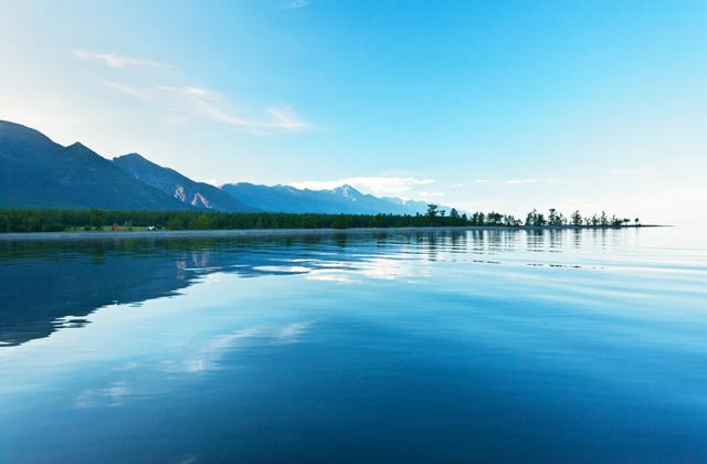 Уровень воды в Байкале преодолел критическую отметку