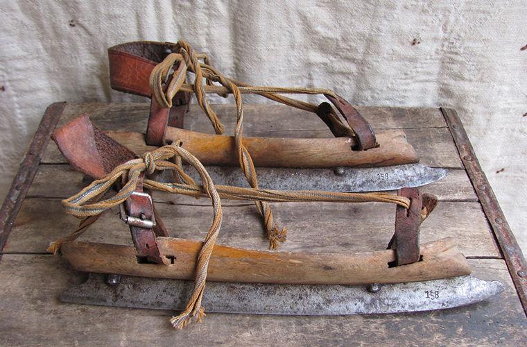 Старинные коньки