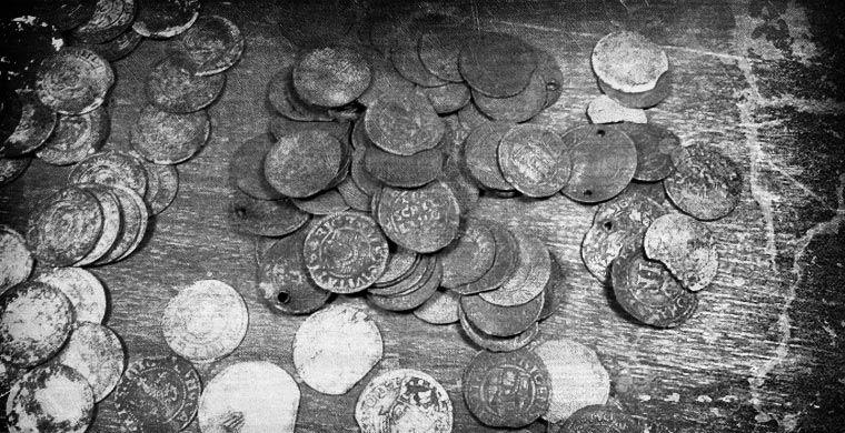 Необычные осадки: из монет