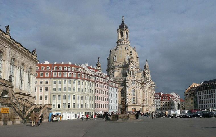 Площадь Нового рынка в Дрездене